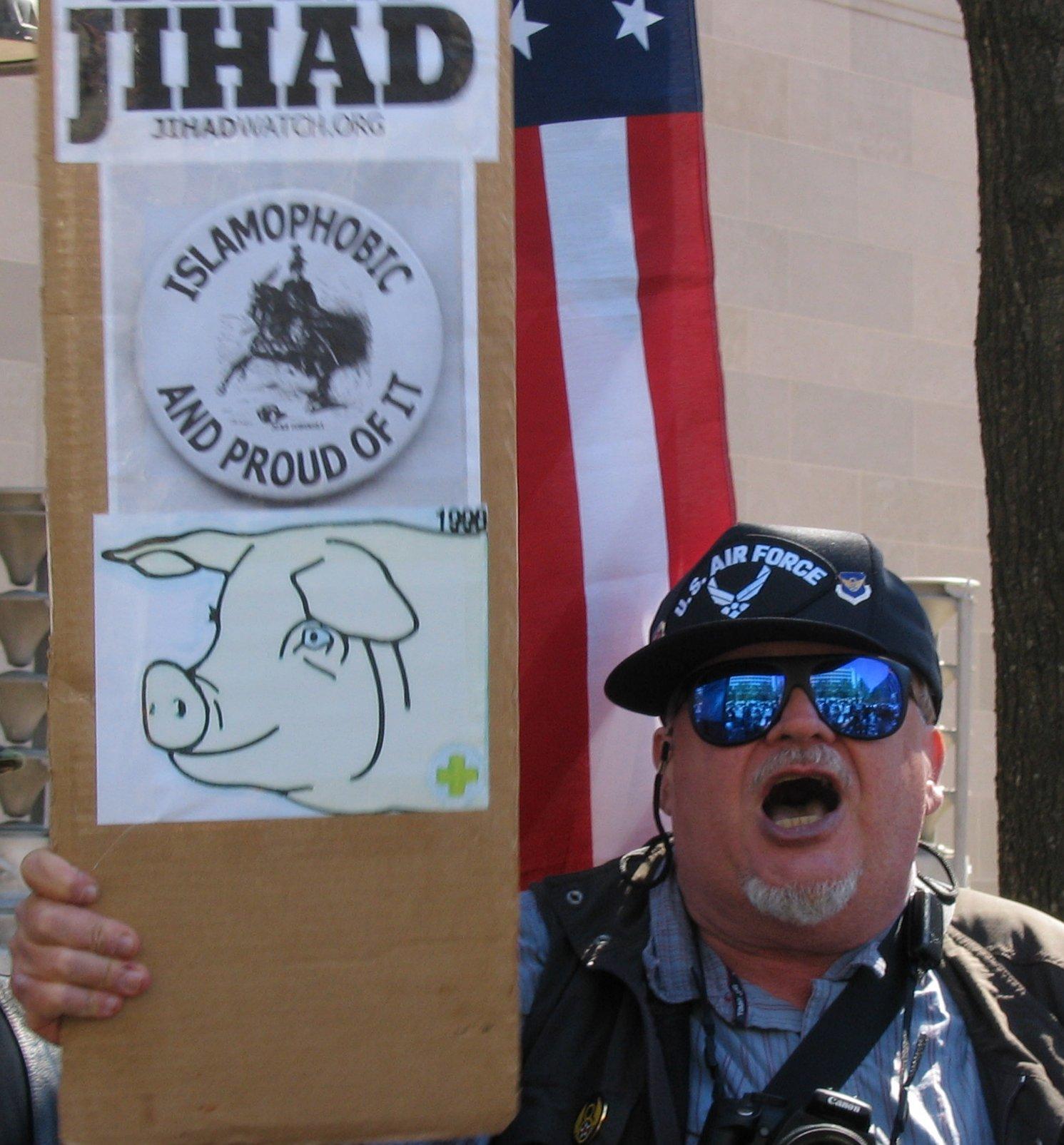 islamophobe