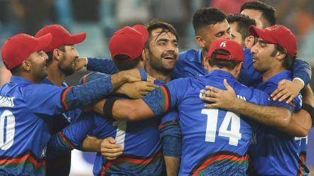 cricket_team_celebrating